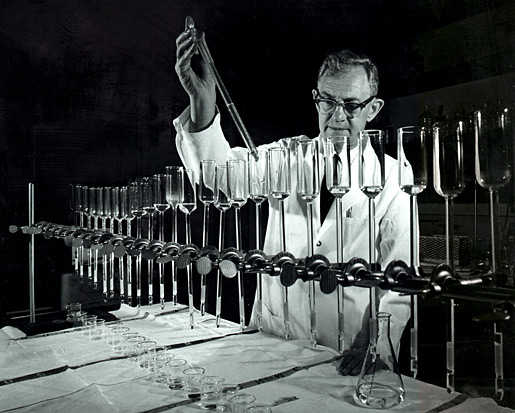Julius Axelrod measuring chemicals