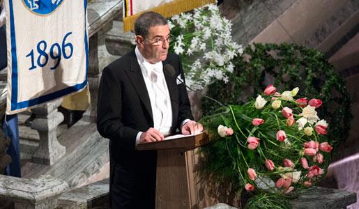 Serge Haroche delivering his banquet speech