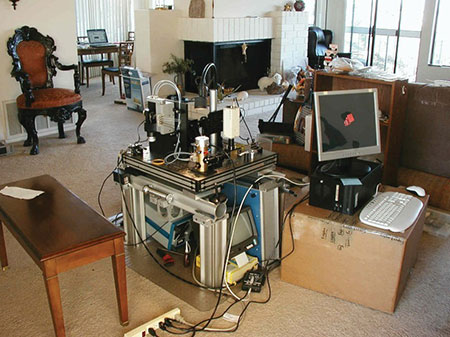 La Jolla Labs. Building the first PALM microscope in Harald's living room.