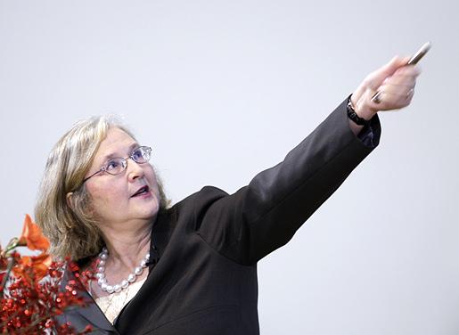 Elizabeth H. Blackburn delivering her Nobel Lecture