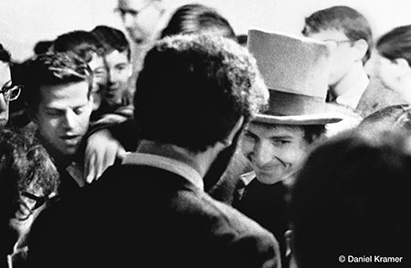 Bob Dylan greeting fans . Copyright © Daniel Kramer/courtesy of TASCHEN