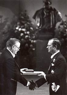 Buchanan receives award