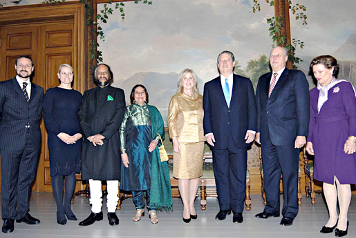 The 2007 Nobel Peace Prize Laureates and their spouses with the Norwegian Royal Family at the Royal Palace in Oslo, Norway