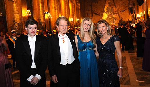 Sir John B. Gurdon with relatives in the Golden Hall