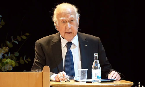Peter Higgs delivering his Nobel Lecture