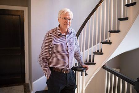 Bengt Holmström in his home. Photo: MIT/Bryce Vickmark