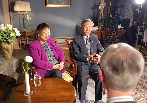 rs Gwen Kao and Charles K. Kao during the interview with Nobelprize.org