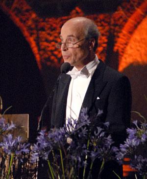 Roger D. Kornberg delivering his banquet speech.