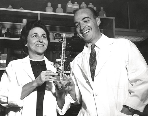 Arthur and Sylvy Kornberg in the Stanford laboratory