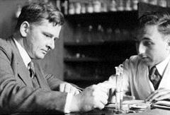 Kuhn in lab