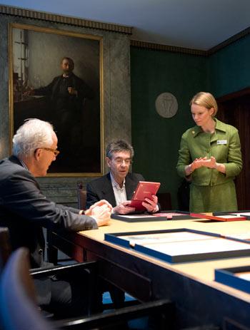 Robert J. Lefkowitz visits the Nobel Foundation on 11 December 2012