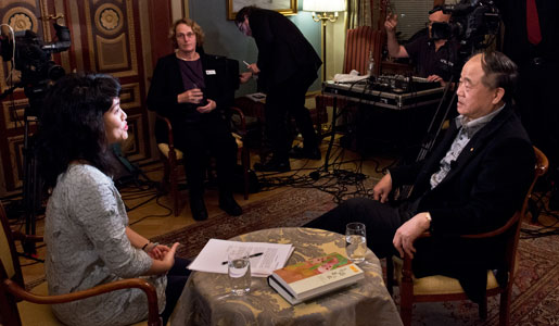 Mo Yan (right) during the interview with Nobelprize.org. To the left: interviewer YuSie Rundkvist Chou