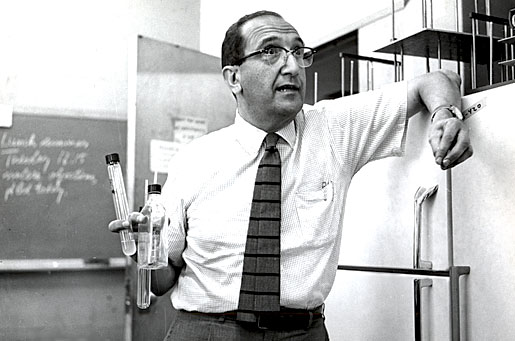 Salvador Luria teaching at MIT