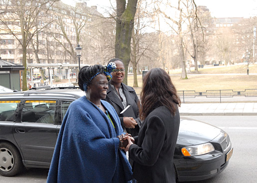 Wangari Maathai arrives for the interview