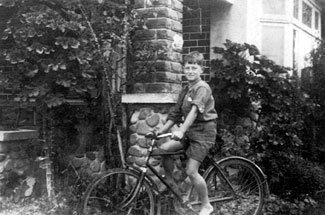 Alan with bicycle