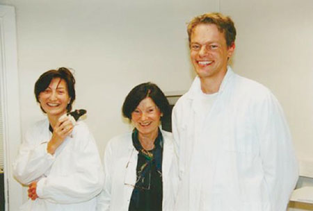 Me, Hanna Mustaparta and Edvard at NTNU's Lade campus lab in 2000. This is where we set up our first lab in Trondheim (Photo: Siw Ellen Jakobsen, Forskning.no).