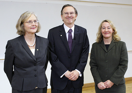 Elizabeth H. Blackburn, Jack W. Szostak and Carol W. Greider after delivering their Nobel Lectures