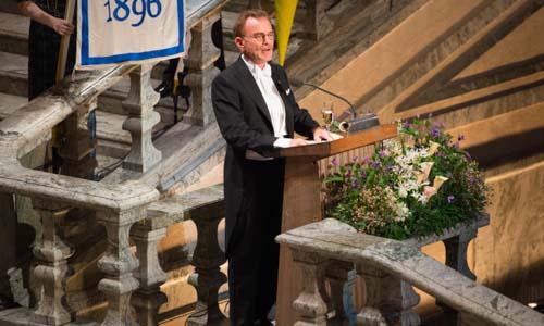 Randy W. Schekman delivering his banquet speech.