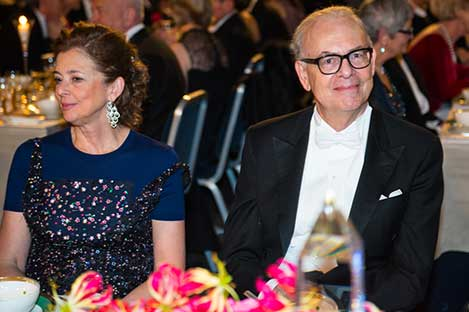 Patrick Modiano and Mrs Nathalie Tirole, spouse of Laureate in Economic Sciences Jean Tirole, at the table of honour.