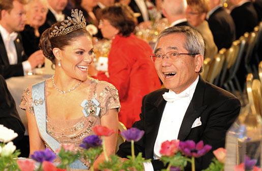 Ei-ichi Negishi shares a light moment with Crown Princess Victoria