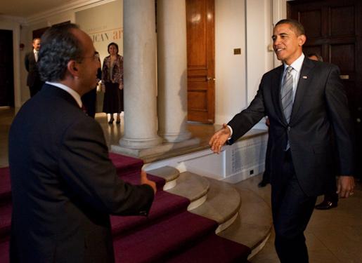 Barack Obama meets with Mexican President Felipe Calderón