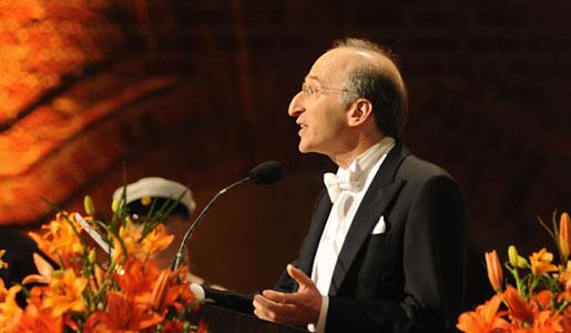 Saul Perlmutter delivering his banquet speech