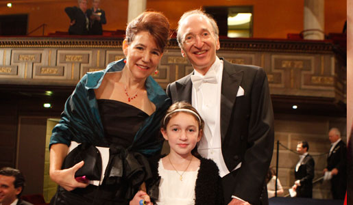 Saul Perlmutter with his wife Laura Nelson and daughter Noa after the Nobel Prize Award Ceremony
