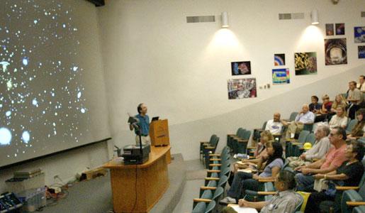 Saul Perlmutter lecturing