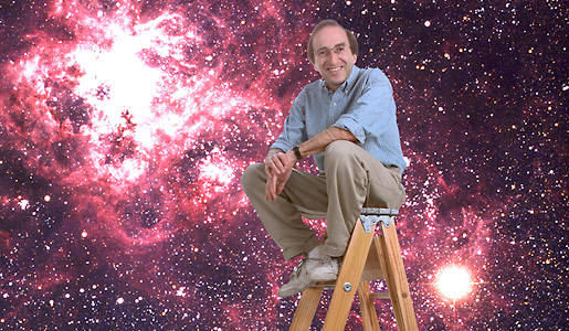 Saul Perlmutter pictured with a view of the supernova 1987a in the background