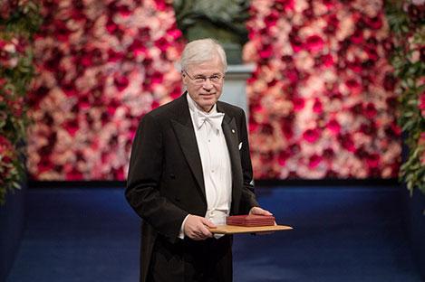Bengt Holmström after receiving his Prize at the Stockholm Concert Hall