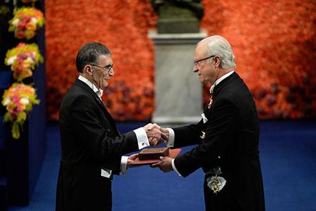 Aziz Sancar  receiving his Nobel Prize from H.M. King Carl XVI Gustaf of Sweden