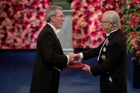 Jean-Pierre Sauvage  receiving his Nobel Prize from H.M. King Carl XVI Gustaf of Sweden