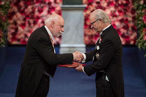 Sir J. Fraser Stoddart  receiving his Nobel Prize from H.M. King Carl XVI Gustaf of Sweden
