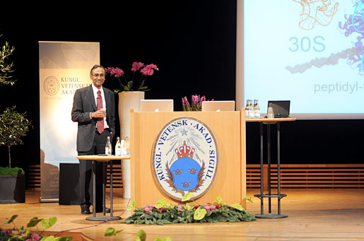 Venkatraman Ramakrishnan delivering his Nobel Lecture
