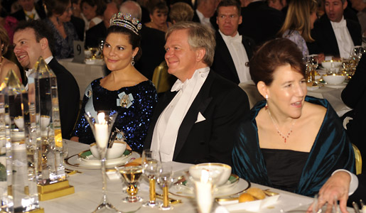 Brian P. Schmidt , Crown Princess Victoria of Sweden and Professor Laura Nelson, wife of Physics Laureate Saul Perlmutter, at the Nobel Banquet