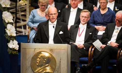 Professor Per Krusell presenterar Sveriges Riksbanks pris i ekonomisk vetenskap till Alfred Nobels minne
