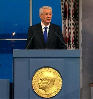 Thorbjørn Jagland delivering his presentation speech