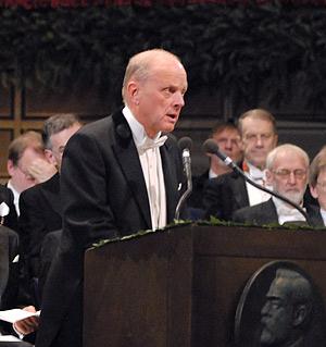 Professor Lars Brink delivering the Presentation Speech