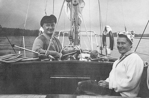 Hugo Theorell and his wife Margit sailing in Stockholm archipelago