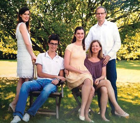Tirole family: Naïs, Romain, Margot, Nathalie and Jean.