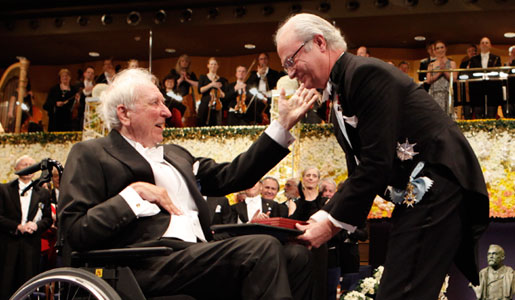Tomas Tranströmer receiving his Nobel Medal and Diploma