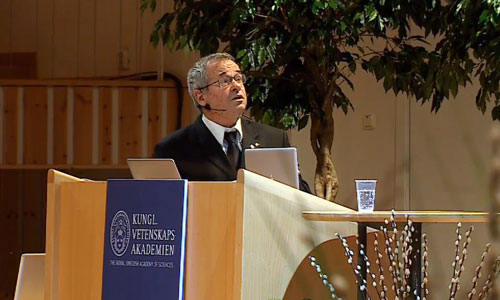 Arieh Warshel delivering his Nobel Lecture