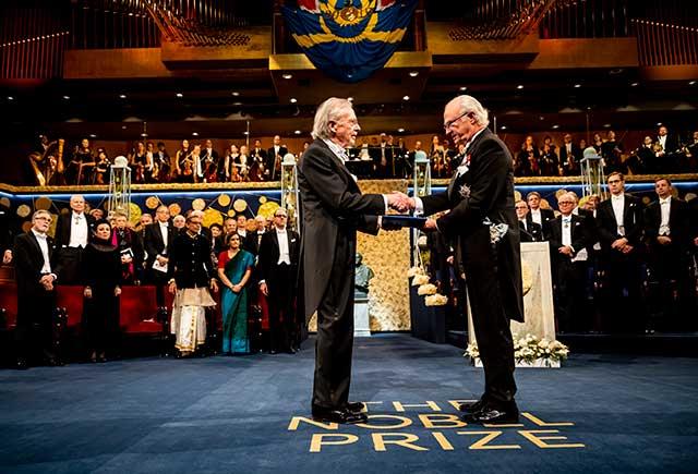 Peter Handke receiving his Nobel Prize